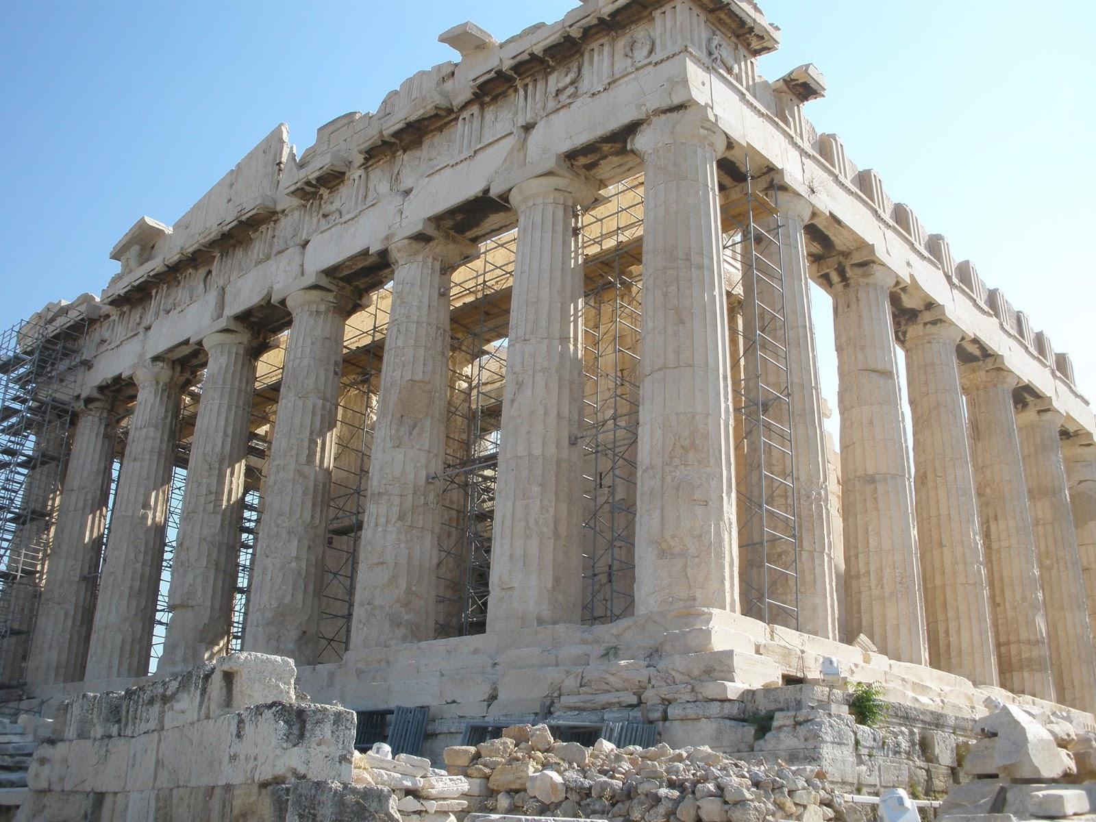 El Partenón, (Atenas, Grecia) templo dórico construido entre el 447 y 432 a.C. dedicado a la Diosa Atenea