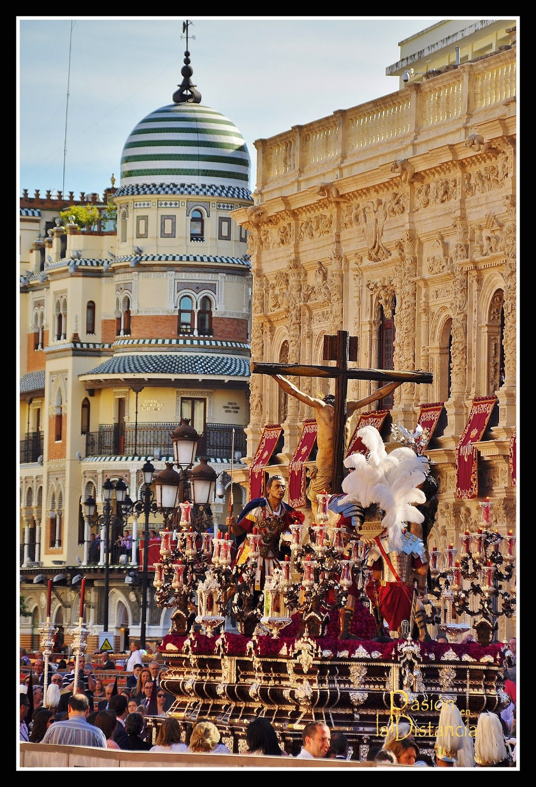 Misterio Cristo del Desamparo y Abandono por Plaza San Francisco Sevilla 2015