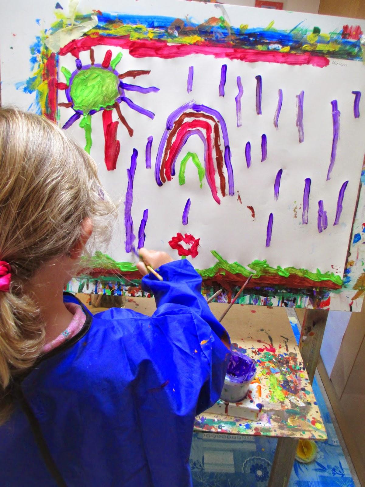 Basteln und Malen im Kindergarten