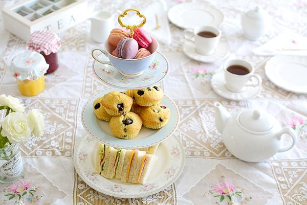 Diy+cake+stand+alice+13