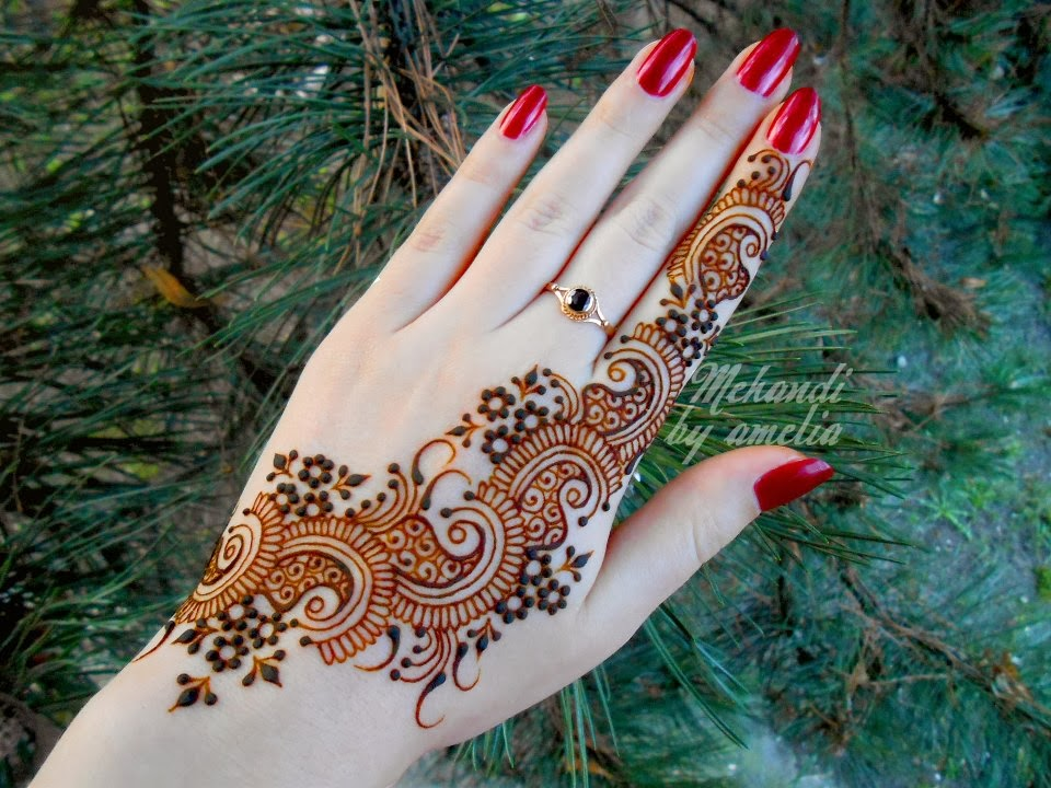Mehndi Henna Games : Hair style amelia mehndi designs for young girls