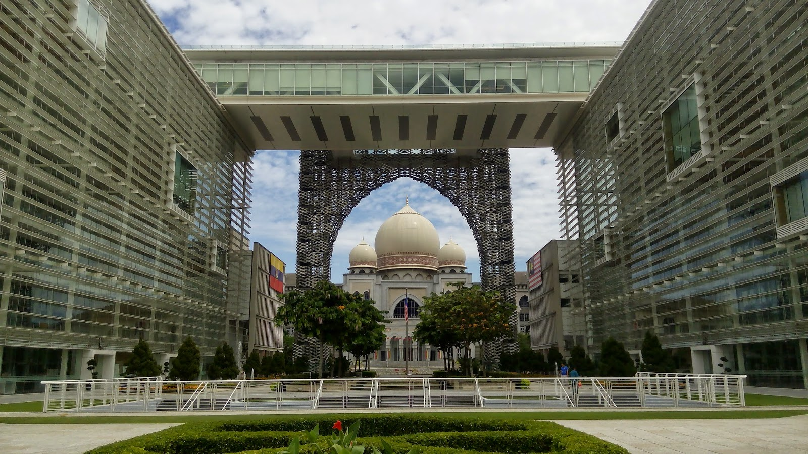 tips photography, Istana kehakiman, sudut berbeza, arzmoha, gambar cantik, putrajaya, Perbadanan Putrajaya