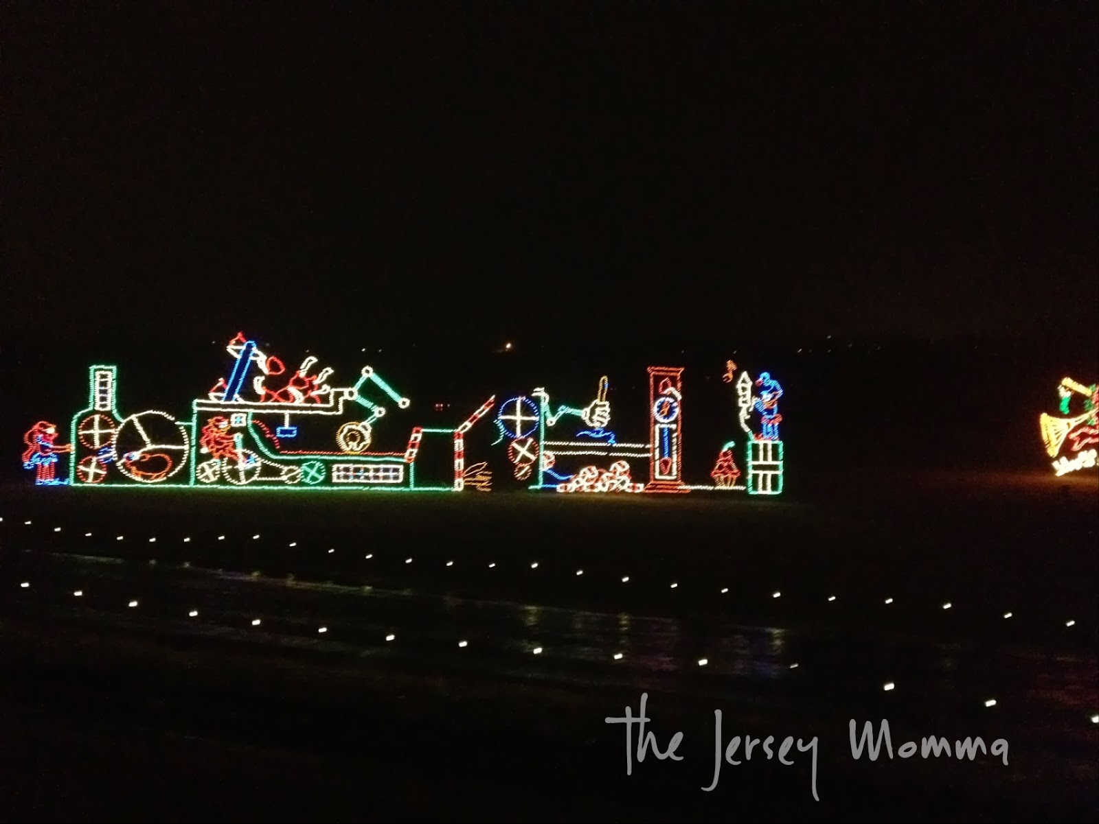 some of the displays at hershey sweet lights appear to move like this machine the elves are using - Hershey Christmas Lights