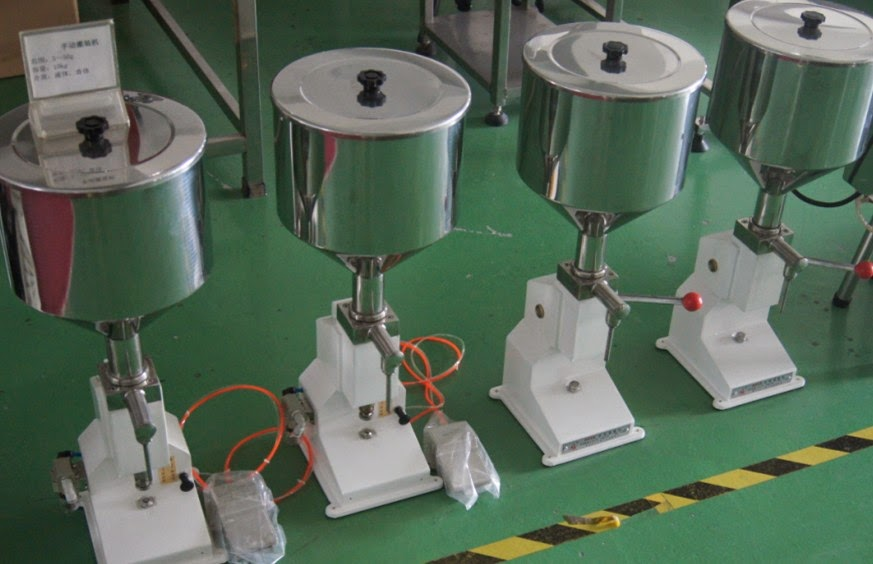 PENGLAI  Manual Liquid Filler&cosmetic filling machine semi autimatic liquid lotion paste cream filling equipments