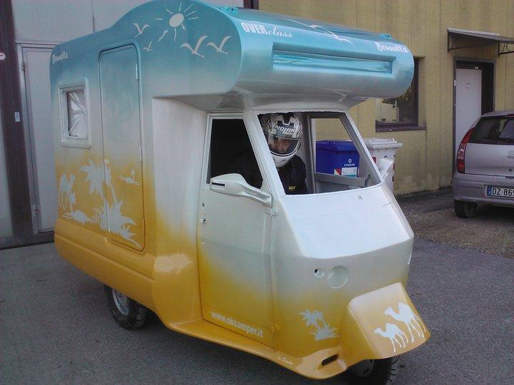 Extrêmement Le camping-car Passe partout: Le piaggio ape moca camper : le plus  IL79