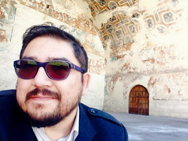 Él es el compañero Alberto Buitre...DESDE MÉXICO PARA EL MUNDO: UNA VOZ QUEBRANDO CENSURAS...