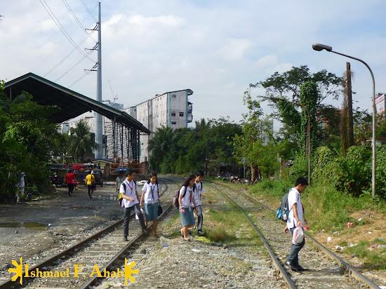 PNR railroad near the Paco train ststion