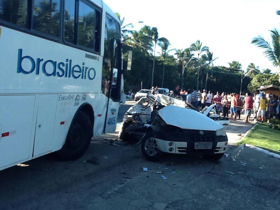 Pai e filha morrem em acidente na orla de Porto Seguro