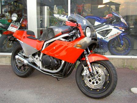 Suzuki GSXR 400  Suzuki+GSX-R+400+TT-F3+01