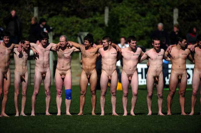 SHIRTLESS LOVERS: NAKED SPORT
