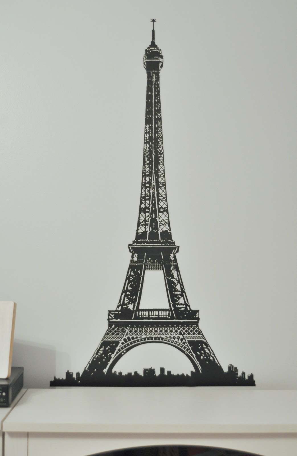 She 39 s crafty paris themed bedroom - Eiffel tower decor for bedroom ...