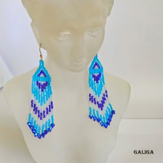 ethnic style beaded jewelry-blue motives seed bead earrings-earrings with fringe-sea style