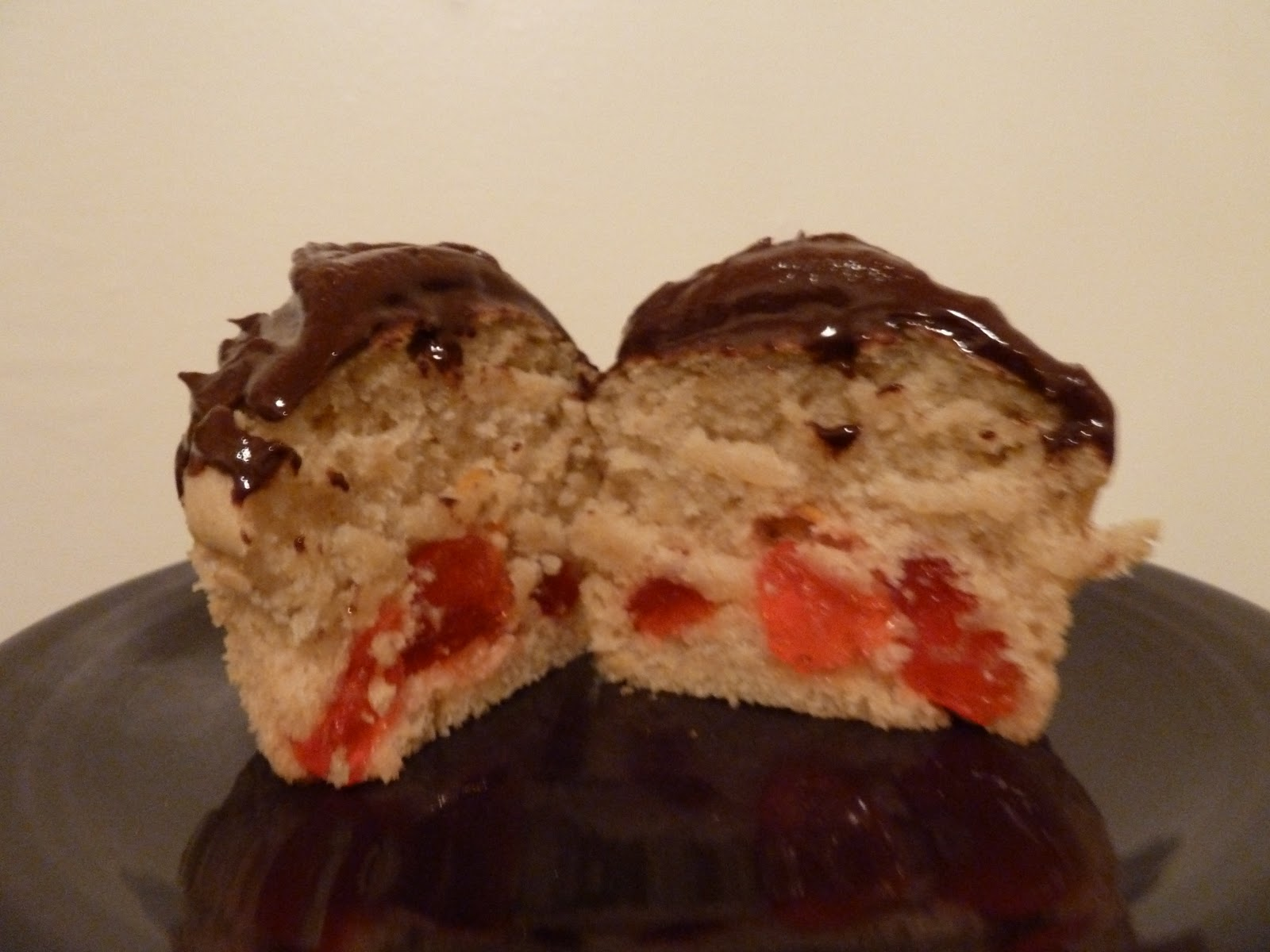 Eat at lu 39 s vegan swedish fish cupcake recipe for Swedish fish recipe