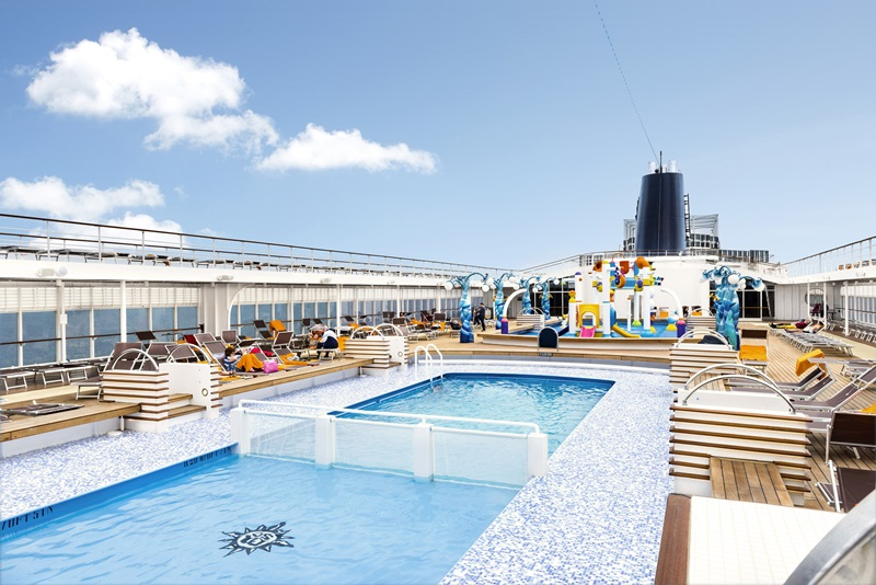MSC Crociere, nave MSC Armonia, foto MSC interni, foto MSC piscina, crociera nel Mediterraneo