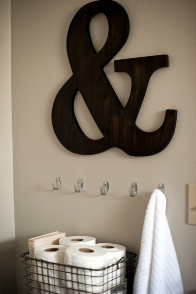 ampersand in bathroom