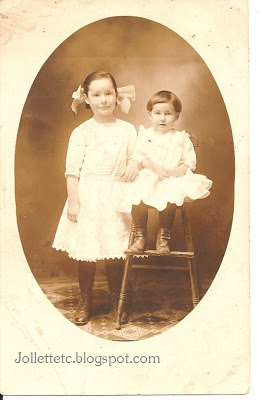 Violetta and Velma Davis about 1910