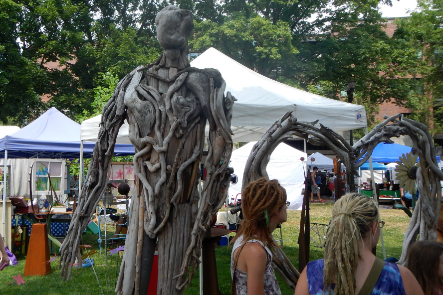 Impressive Driftwood Man at the Recycled Arts Festival 2015