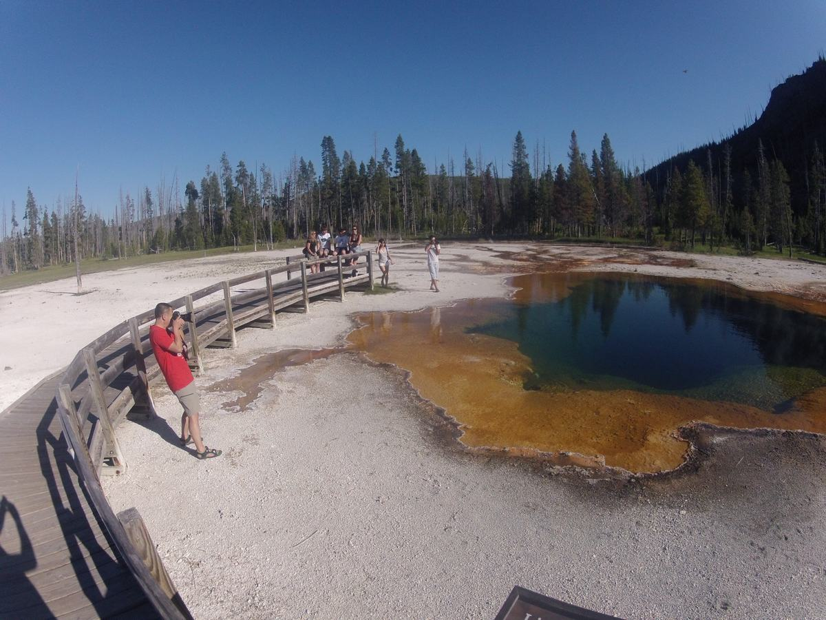 Emerald pool, black sand basin, Yellowstone
