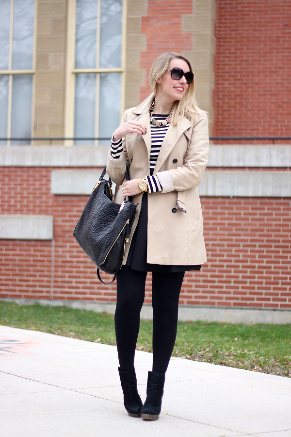 Vince Camuto Riley Tote / Classic Stripes & Trench