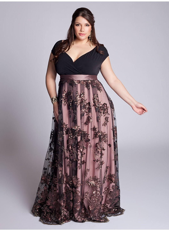 De talla grande puede encontrar el vestido perfecto teniendo en cuenta