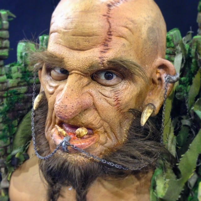 18-Ocean-Parks-Halloween-Troll-Nix-Herrera-From-Face-Off-to-Intricate-Body-Painting-www-designstack-co