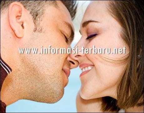 Arti Ciuman/Kissing Bibir lama