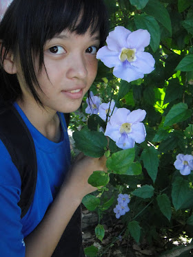 LovelY FlowEr mE. =)