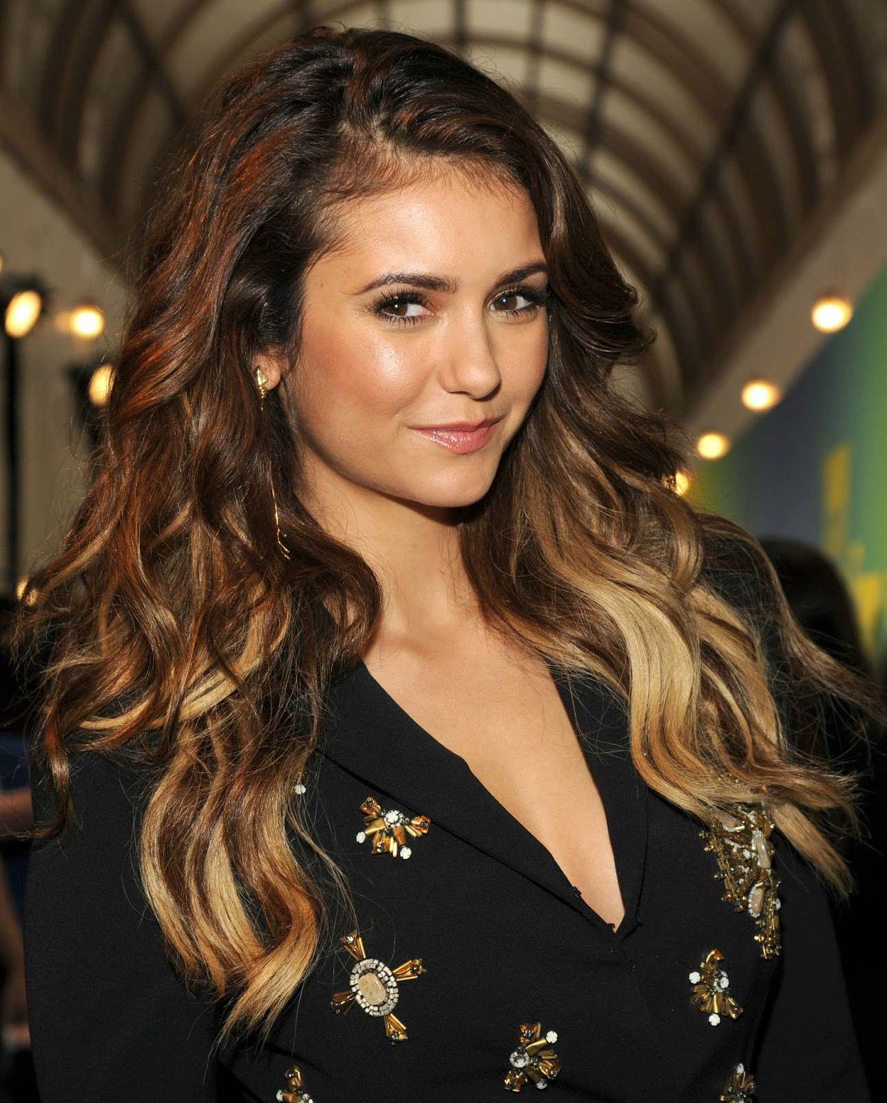 ich will lange gesunde haare wie nina dobrev i want hair. Black Bedroom Furniture Sets. Home Design Ideas