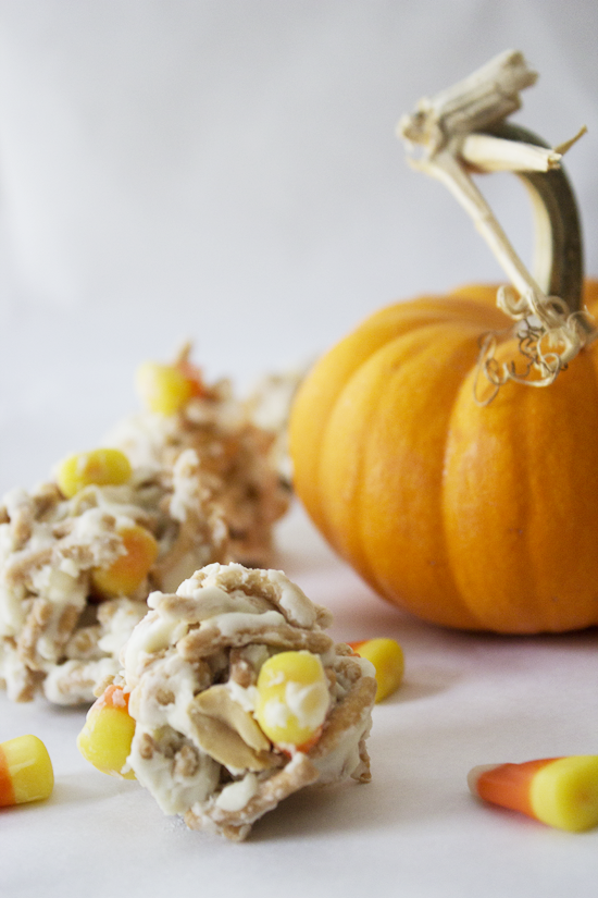 """Monster Mash"" White Chocolate and Candy Corn Haystacks {sosweetlikesarah.com}"
