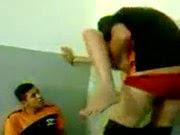 Novinha dando pra dois no banheiro de um shopping - http://videosamadoresdenovinhas.com