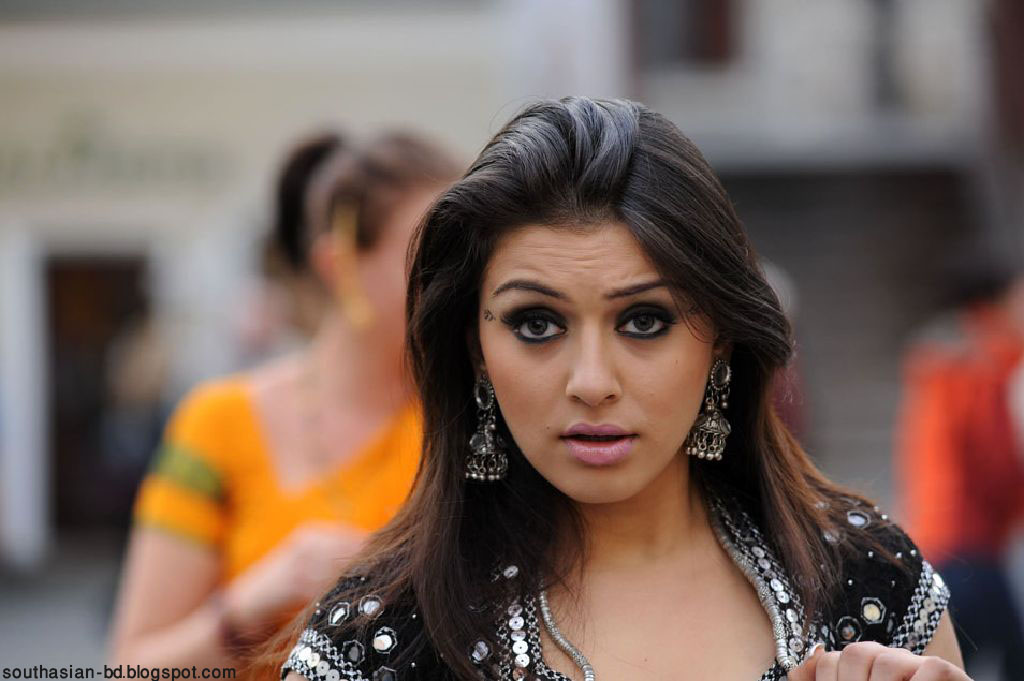 Hansika Motwani New Hot Wallpapers - Cinestars4u
