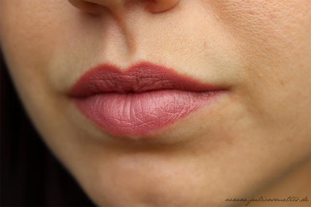 p2-Long-Lasting-Shine-maxi-lipstick