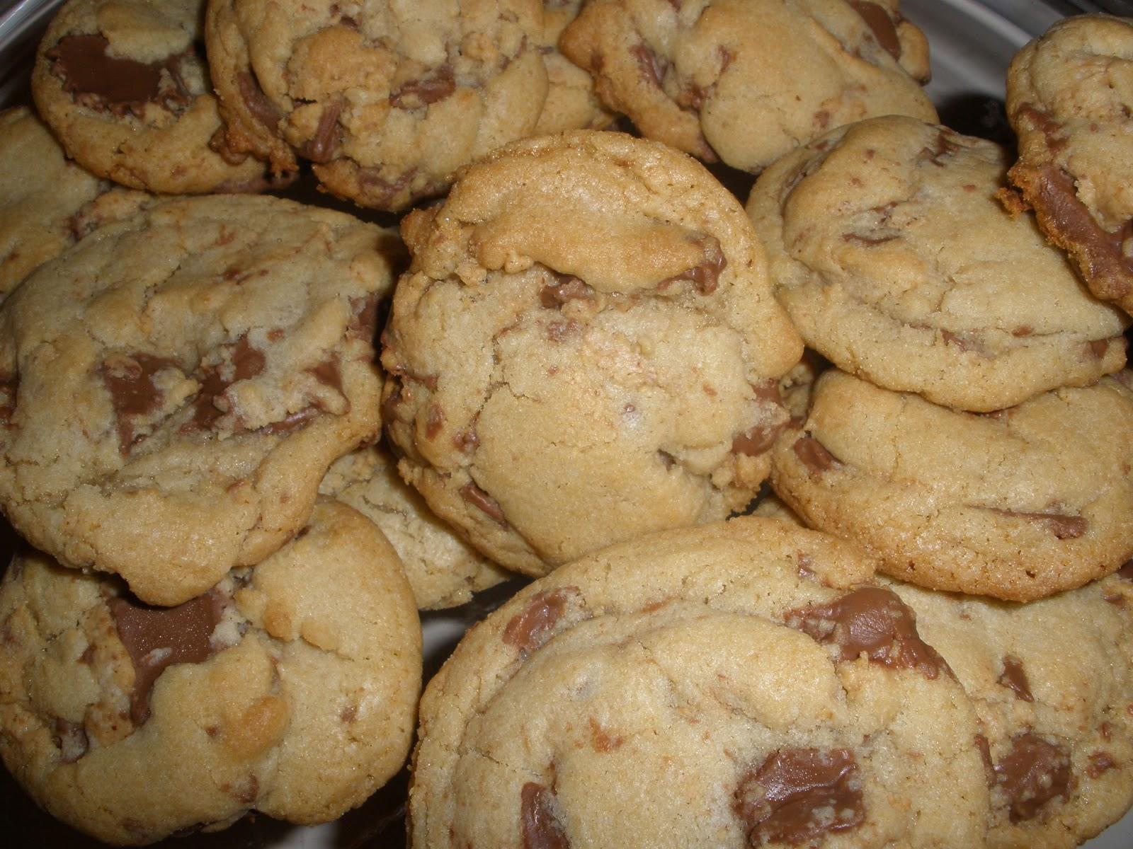 Sweet treats peanut butter cup cookies east coast chic for Easy sweet treats with peanut butter
