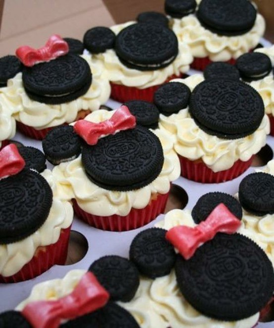 Pictures Of Mickey Mouse Cupcakes : Because I Saw It On Pinterest: Mickey & Minnie Mouse Cupcakes