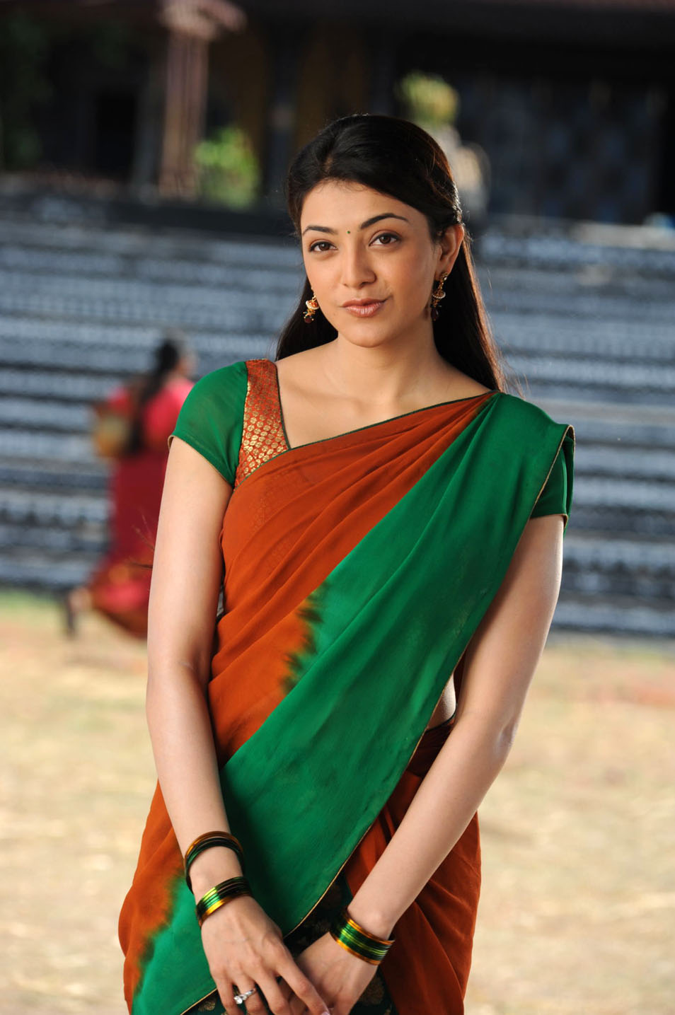 Kajal Agarwal Cute in Half Saree - Hot Film Actress Wallpapers - Hot Pictures - Actresses in Bikini