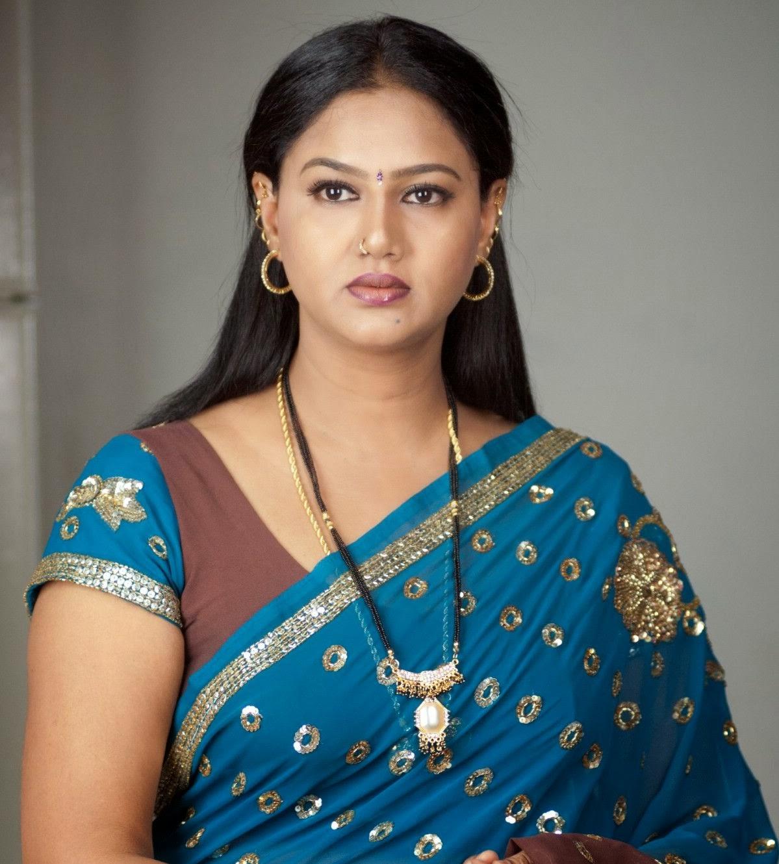Tamil Aunty Photos | Tamil Aunty HD Wallpapers in saree - Trendsphotos