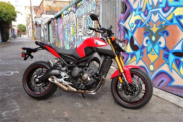 2014 Yamaha FZ-09 First Ride Review- Photos- Pricing