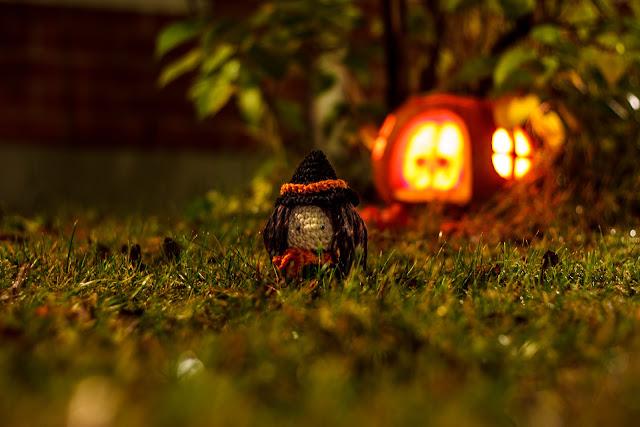 virkattu crocheted amigurumi noita witch novita halloween
