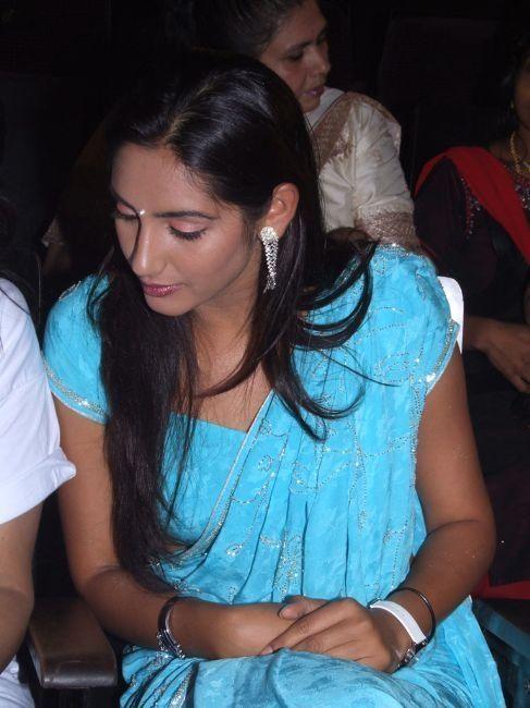 in saree blouse actress pics