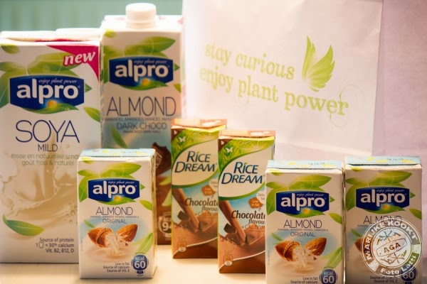 rice dream, coconut dream, oat dream, almond dream, nut dream, Alpro soya mild, almond original, almond dark choco