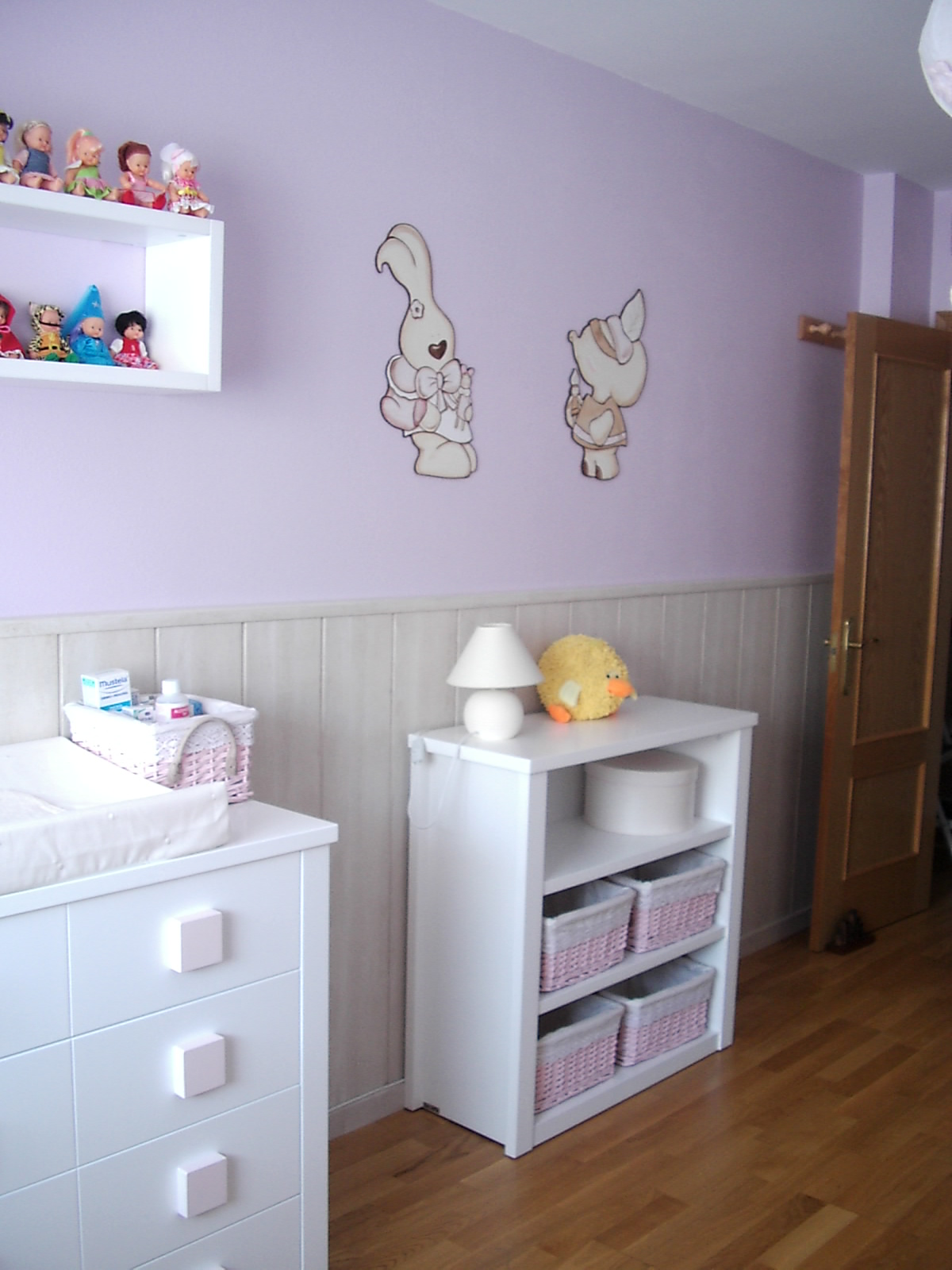 Deco chambre b b d coration chambre b b fille for Photo decoration chambre bebe fille