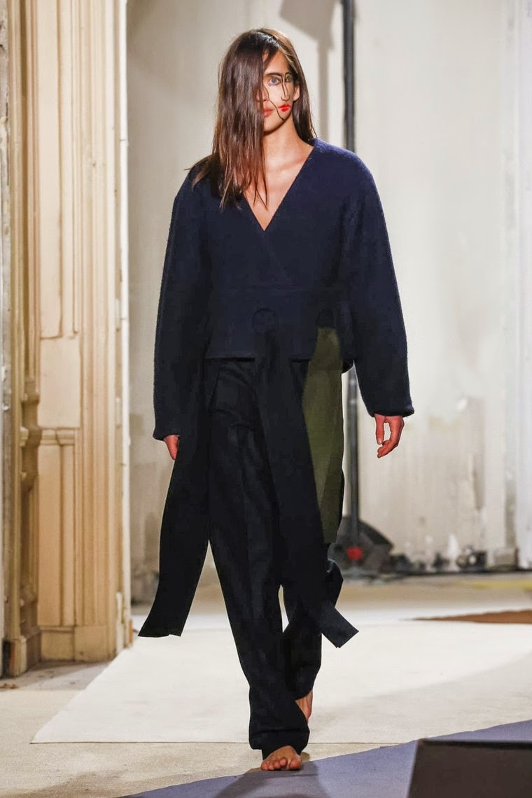 Jacquemus, Jacquemus AW15, Jacquemus FW15, Jacquemus Fall Winter 2015, Jacquemus Autumn Winter 2015, Jacquemus fall, Jacquemus fall 2015, du dessin aux podiums, dudessinauxpodiums, Simon Porte, vintage look, dress to impress, dress for less, boho, unique vintage, alloy clothing, venus clothing, la moda, spring trends, tendance, tendance de mode, blog de mode, fashion blog, blog mode, mode paris, paris mode, fashion news, designer, fashion designer, moda in pelle, ross dress for less, fashion magazines, fashion blogs, mode a toi, revista de moda, vintage, vintage definition, vintage retro, top fashion, suits online, blog de moda, blog moda, ropa, asos dresses, blogs de moda, dresses, tunique femme, vetements femmes, fashion tops, womens fashions, vetement tendance, fashion dresses, ladies clothes, robes de soiree, robe bustier, robe sexy, sexy dress
