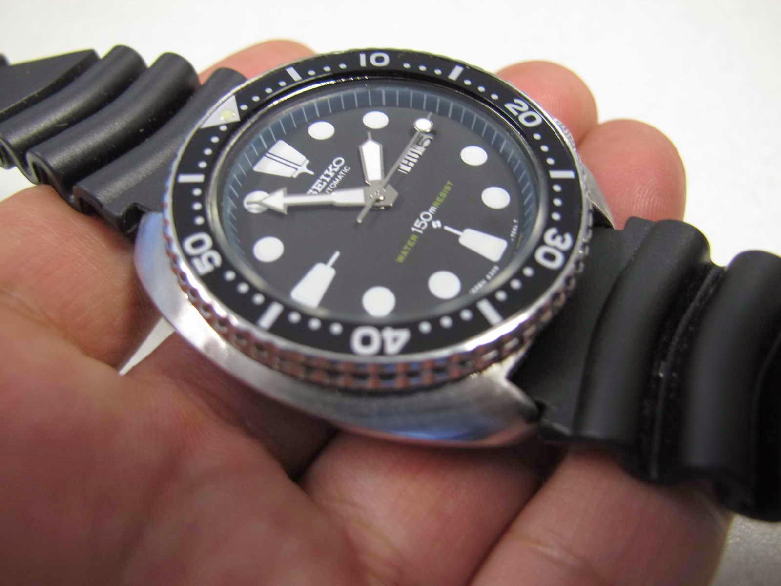 Cocok untuk Anda yang memang sedang mencari jam tangan dengan bentuk case Cushioned case SEIKO DIVER 6309 7040 Seiko DIver Never e