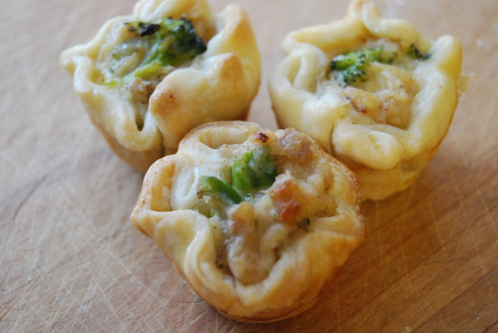 What Would Jeanna Cook: Mini Chicken & Broccoli Pot Pies