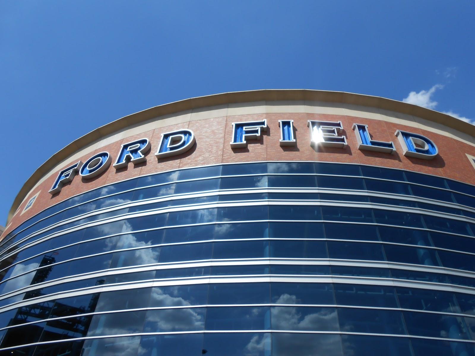 Jc Lewis Ford >> Detroit Lions 345 15: Detroit Lions autograph session at Ford Field