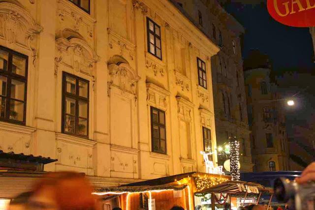 Weihnachten in den Biedermeier Gassen am Spittelberg in Wien © Copyright Monika Fuchs, TravelWorldOnline