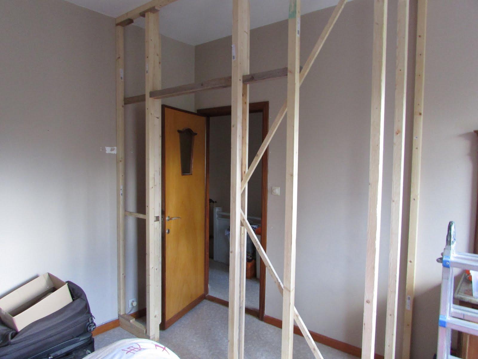 Verbouwing van ons ouderlijk huis voorbereiding afbraak boven - Upgrade naar een kamer ...