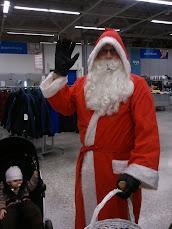 Joulupukkipalvelu tervehtii niin toreilla, marketeissa kuin kodissanne