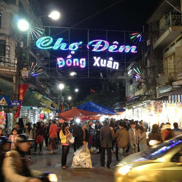 Chợ đêm Đồng Xuân Hà Nội