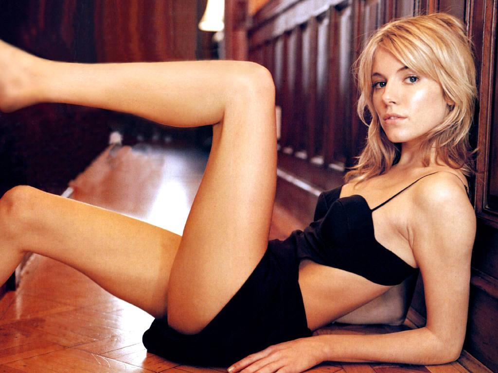http://2.bp.blogspot.com/-xRkoq1Hcyo4/TZMlMaICEmI/AAAAAAAABFA/gHCx60g7Z4o/s1600/Sienna-Miller-1.JPG